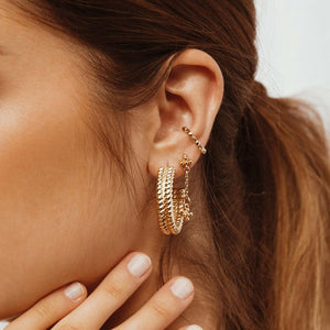 MINC COLLECTIONS TWIST HOOPS - GOLD