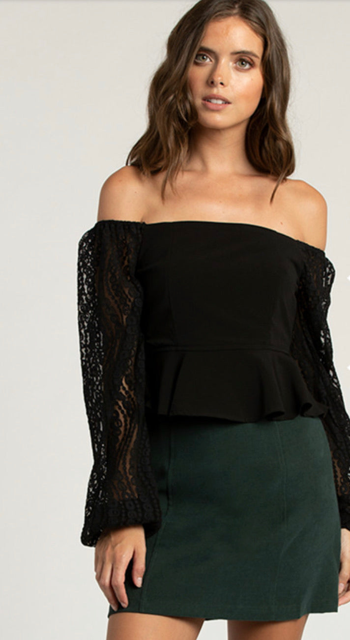 TWO WAY LACE TOP
