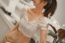 Copy of SHORT SLEEVE FLORAL TOP in WHITE (4430141915211)