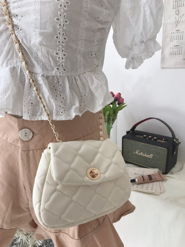 DE KOREAN OVAL SLING BAG in white (4408068112459)