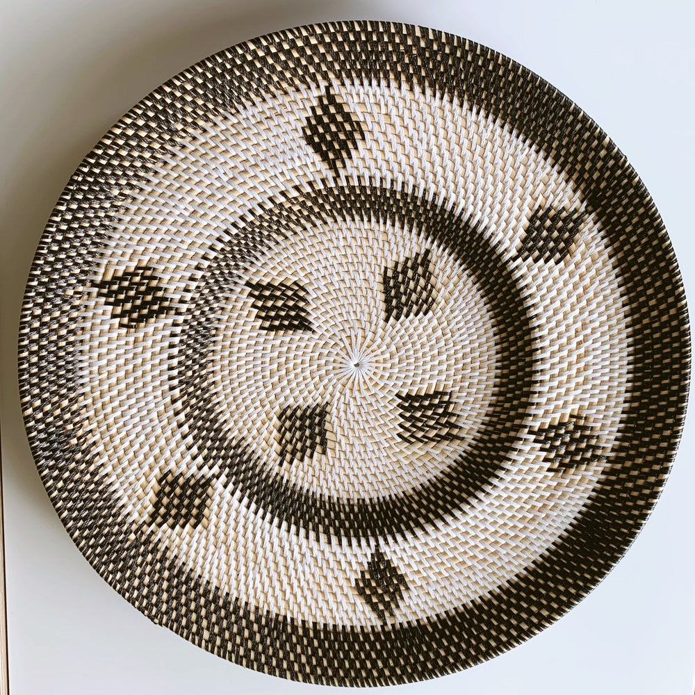 Wall Decor ~ Plate, Black Diamonds