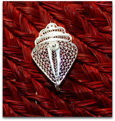 Conch Brooch/ Saree Pin