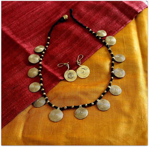 Advaita Handcrafts single line Tribal Necklace Set