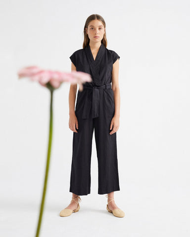 Black Malawi Jumpsuit von THINKING MU