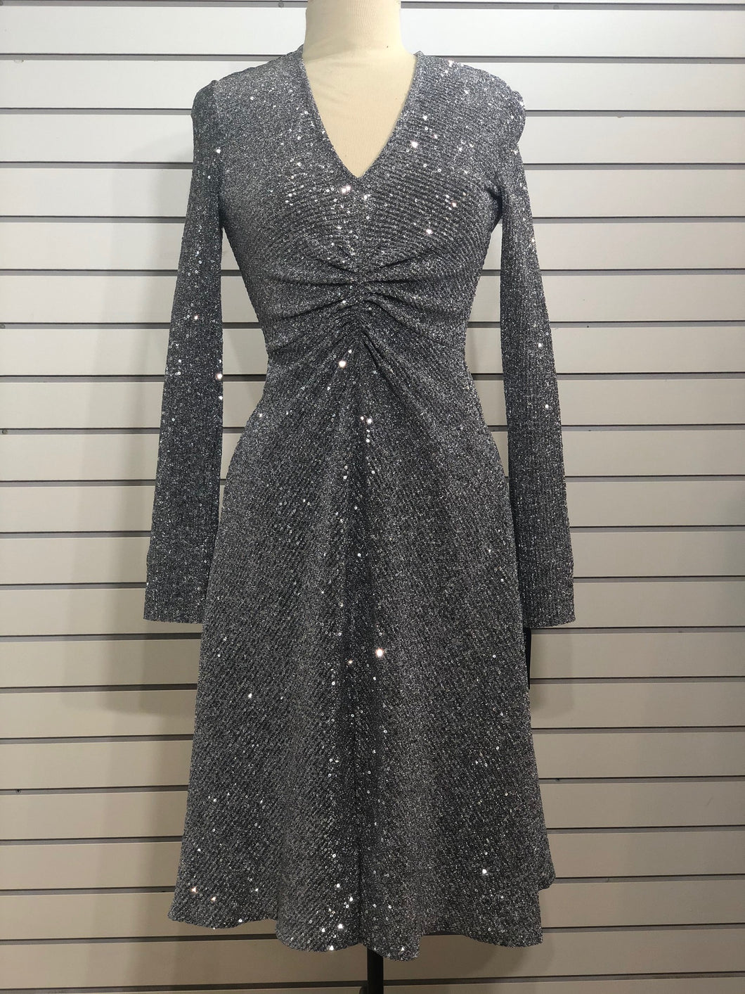 Donna Morgan stretch sequined vneck dress