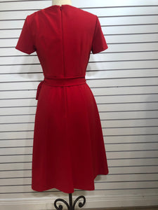 Donna Morgan crepe belted shortsleeved dress
