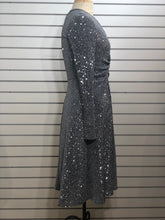 Load image into Gallery viewer, Donna Morgan stretch sequined vneck dress