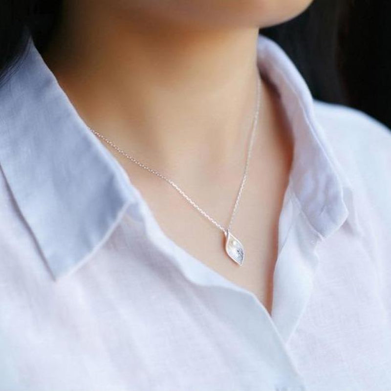 Beauteous Leaf Pearl Sterling Silver Necklace