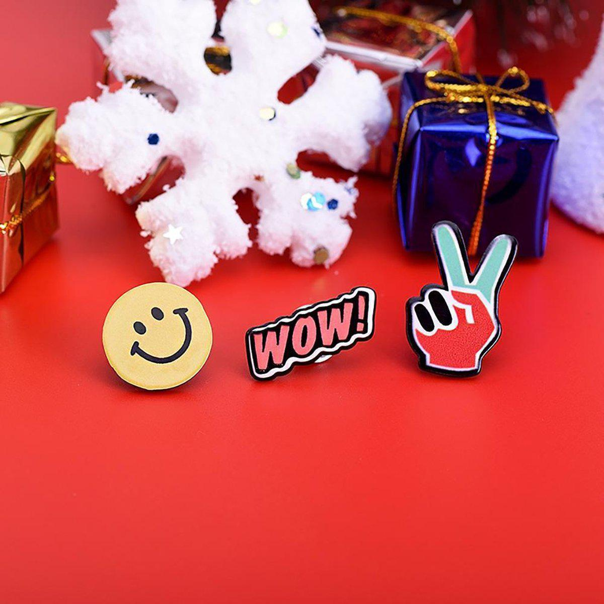 Wow Lapel Pins-Blinglane