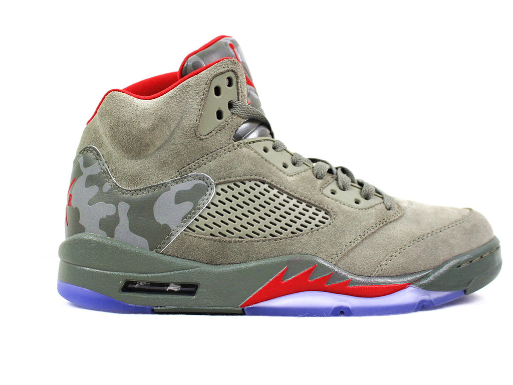 low priced affb5 9a584 Air Jordan 5 Retro