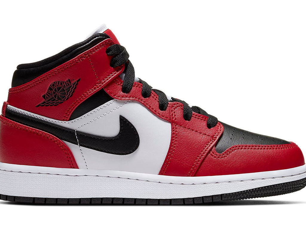 Air Jordan 1 Retro Mid Chicago Toe