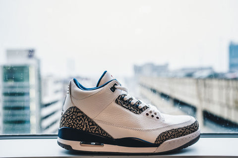 Air Jordan 3 Retro True Blue 2011
