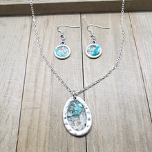 Load image into Gallery viewer, Geode Pendant Necklace and Earring Combination