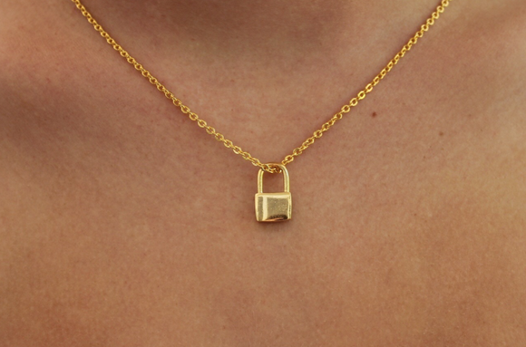 simple lock necklace