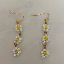 Load image into Gallery viewer, dangly beaded yellow flower earrings