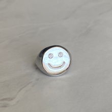 Load image into Gallery viewer, silver smiley ring