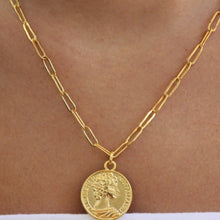 Load image into Gallery viewer, chain link coin necklace