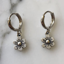 Load image into Gallery viewer, dainty silver flower huggies