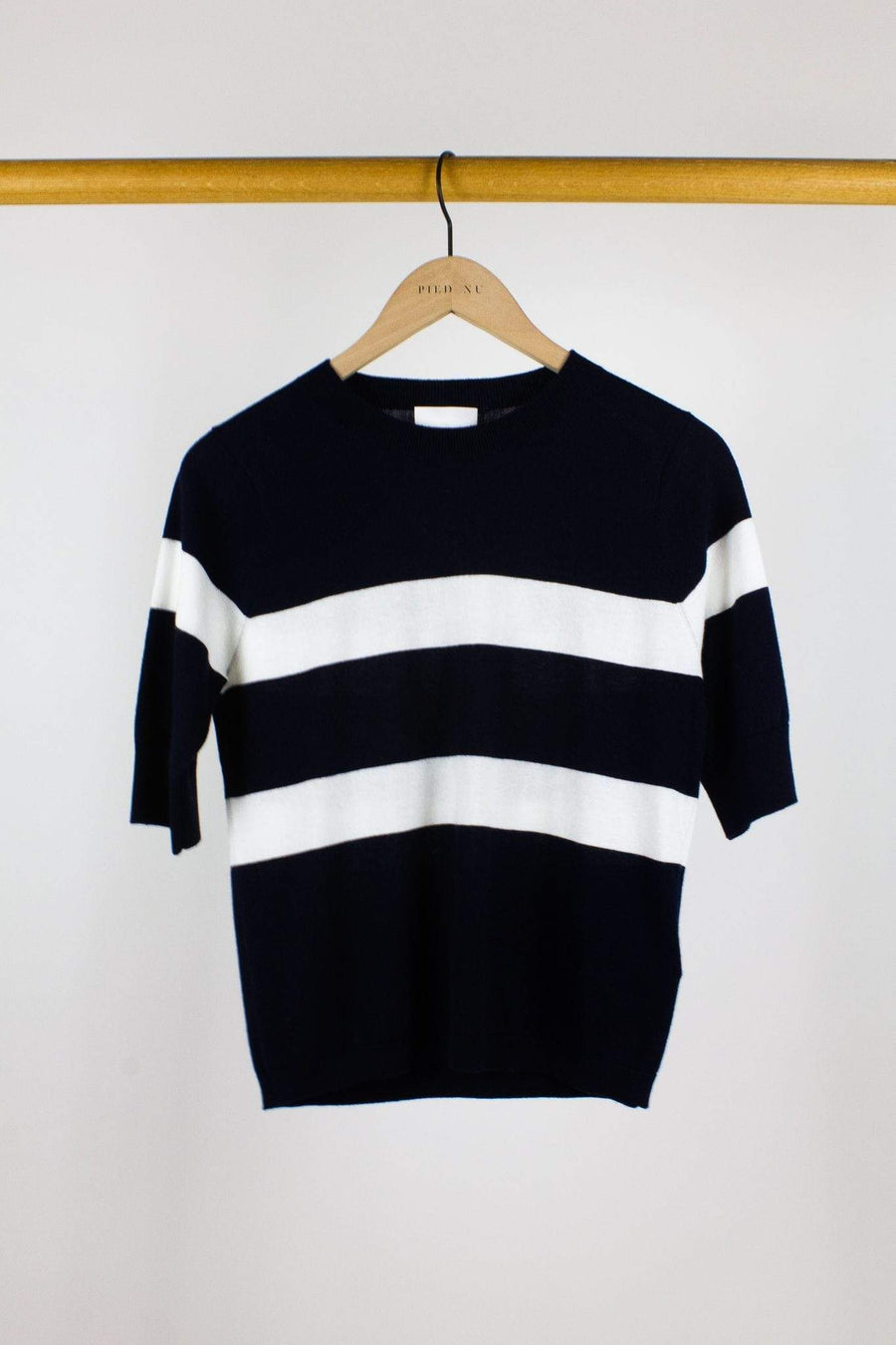 Allude Tops Allude <br> Crewneck Sweater <br> Short Sleeves
