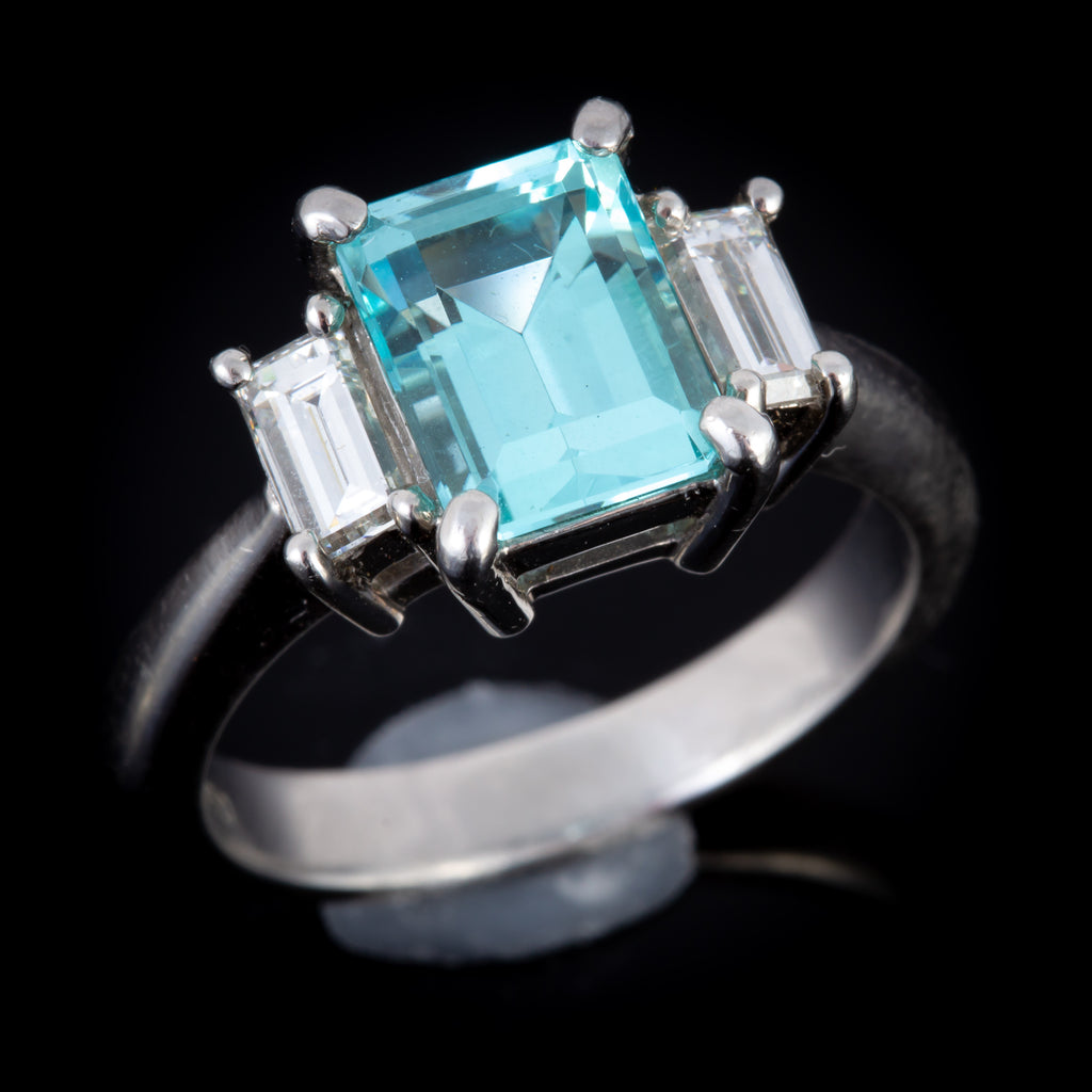 Rare Paraiba Tourmaline and Diamond Ring set in Platinum