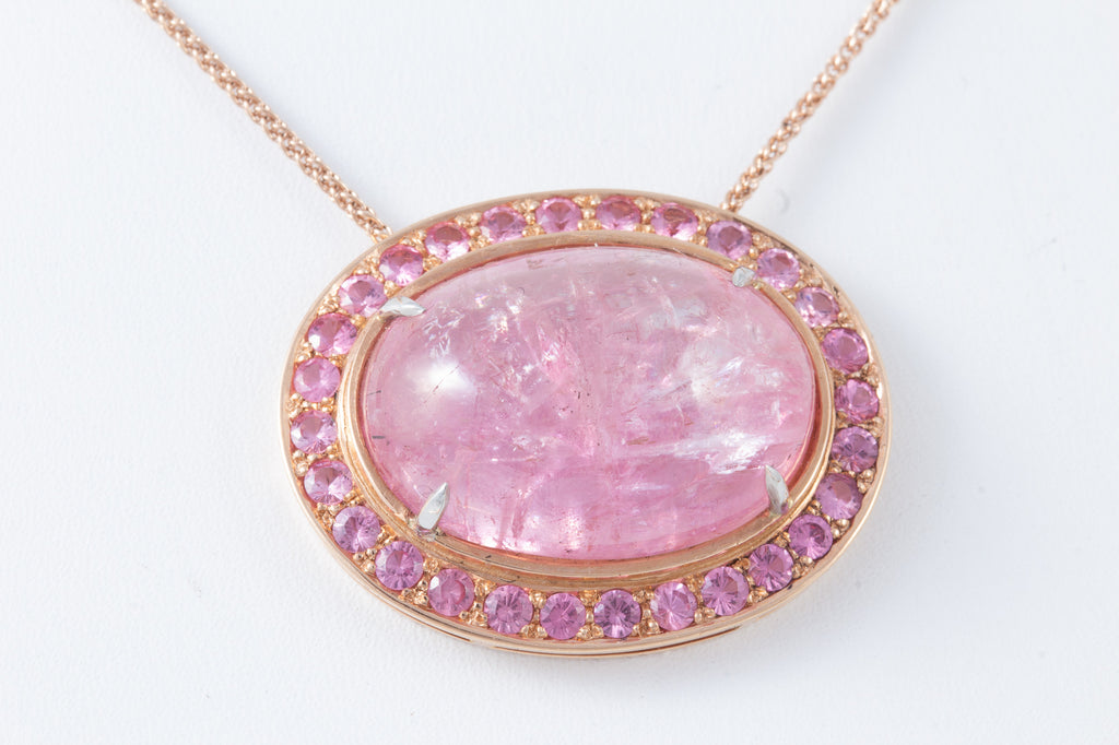 Rare Pink Fancy Tanzanite Cabochon Necklace in 18 kt Rose Gold