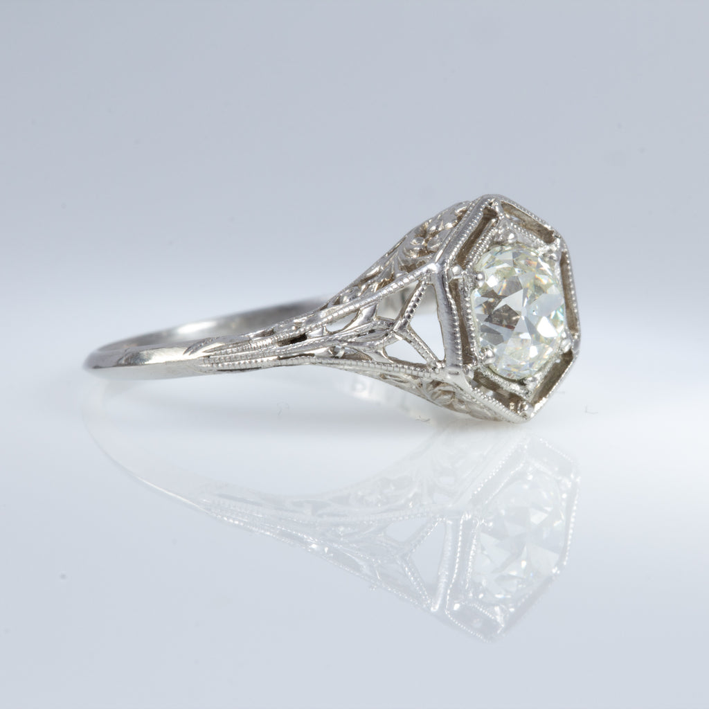 Antique Diamond Ring in Platinum