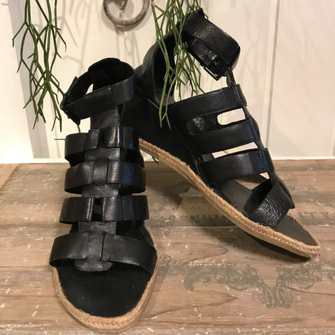 High Heel sandal · Black