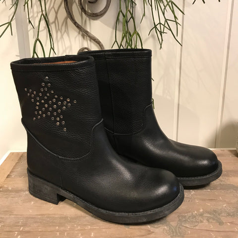 Star boot · Black