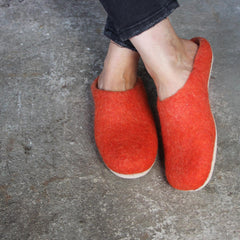 Slippers – Rusty Red