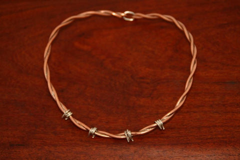 Barbed Wire Female Clasp Necklace in Copper - Medium