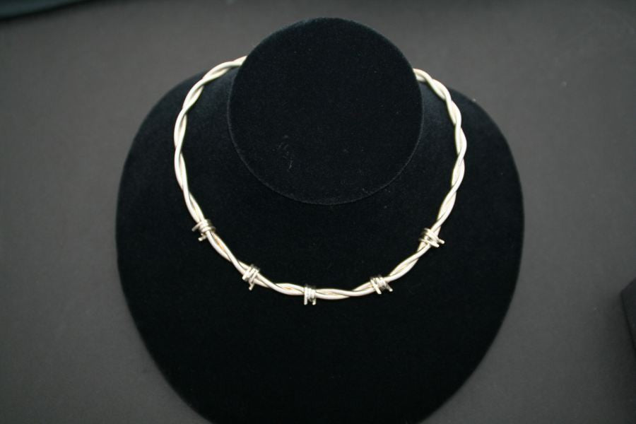 Barbed Wire Female Cuff Necklace in Sterling Silver - Medium