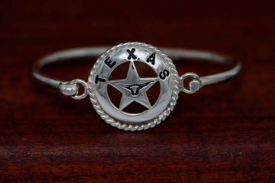 Large Star with Rope Trim Bangle Bracelet