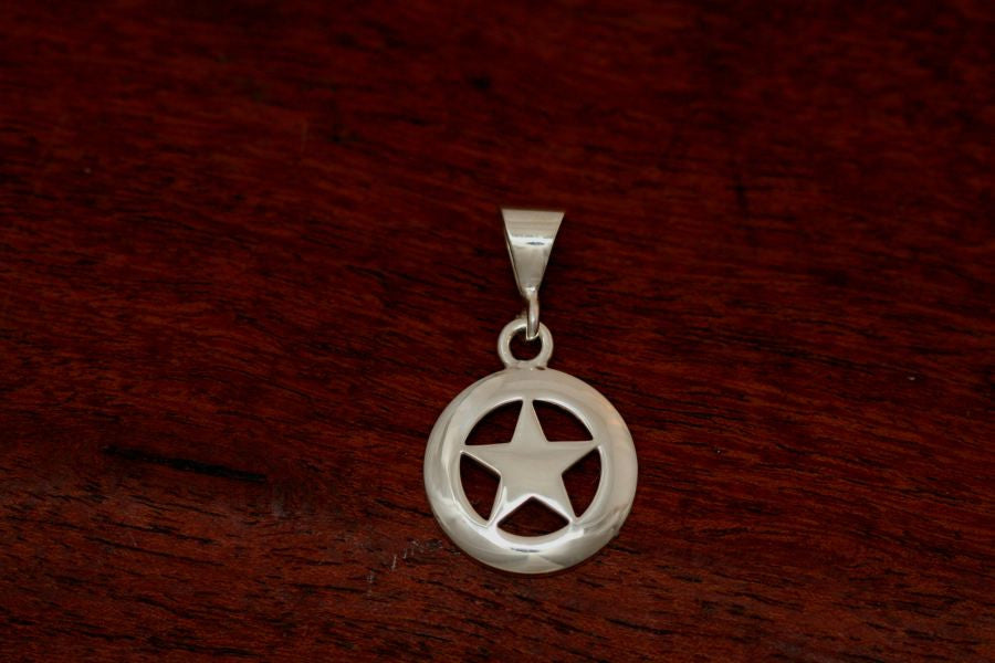 Medium Star Pendant