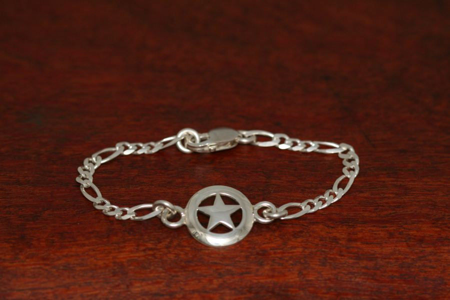 Medium Star on Silver Chain