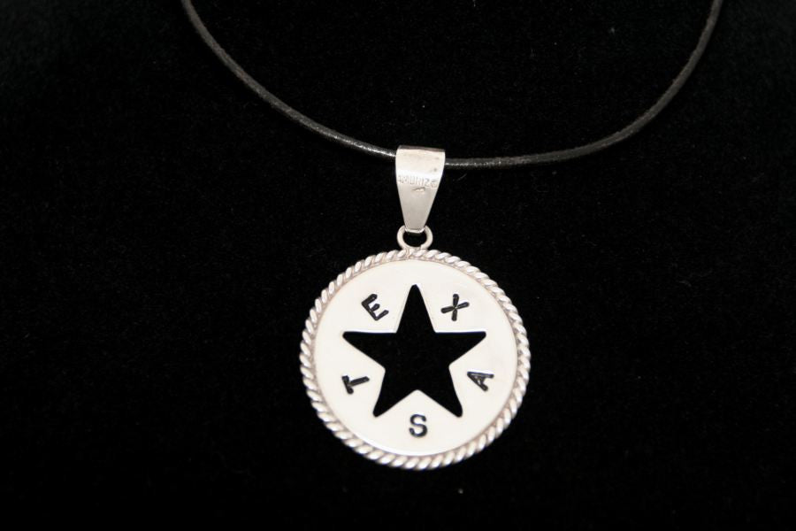 Medium Silhouette Star with Rope in Sterling