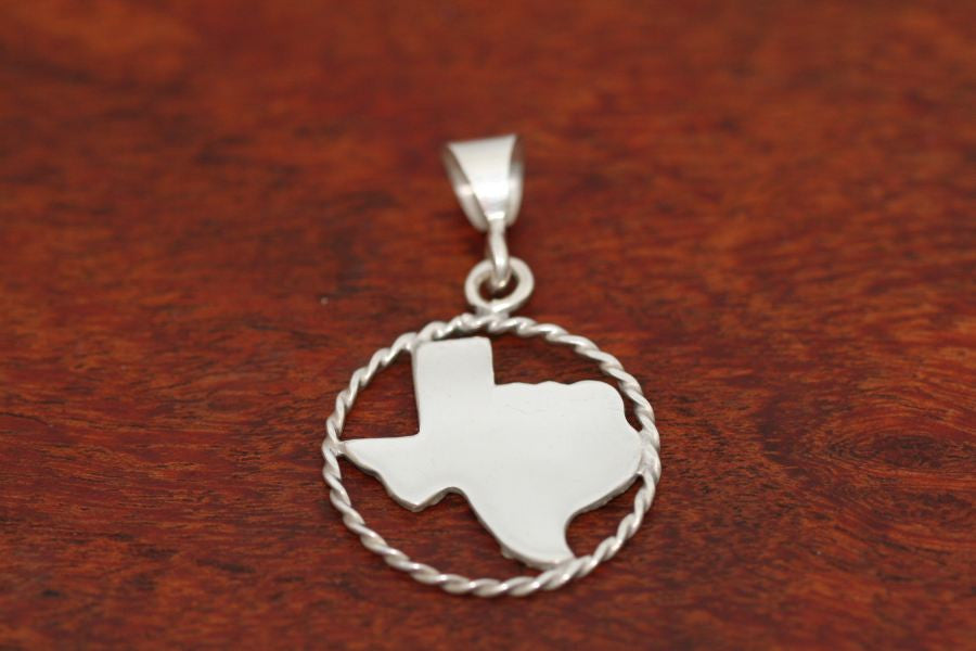 Texas Map Pendant with a Rope Trim in Sterling-Medium