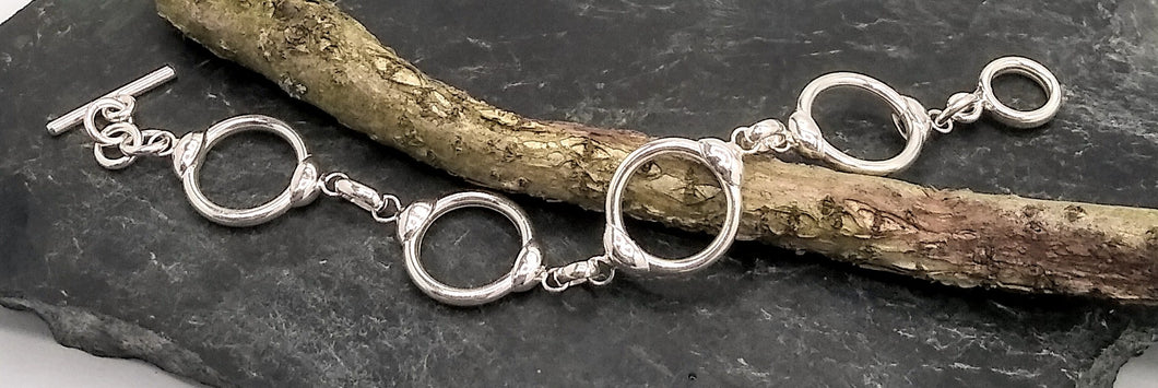 silver circles bracelet with toggle clasp