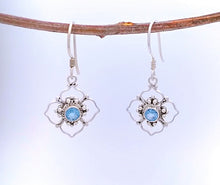 Load image into Gallery viewer, Sterling Bali Earring with Blue Topaz