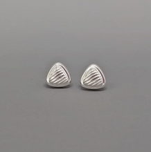 Load image into Gallery viewer, silver triangle shaped studs with line detail