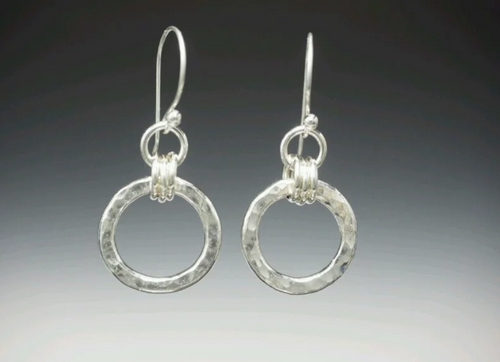 hammered silver circles earring