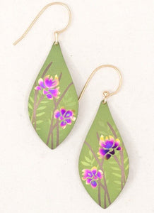 lightweight drop earrings with floral detail