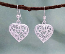 Load image into Gallery viewer, silver filigree heart earrings