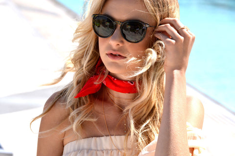 Noa Elle - The Faint Hearted - Red Bandana Styling Tips
