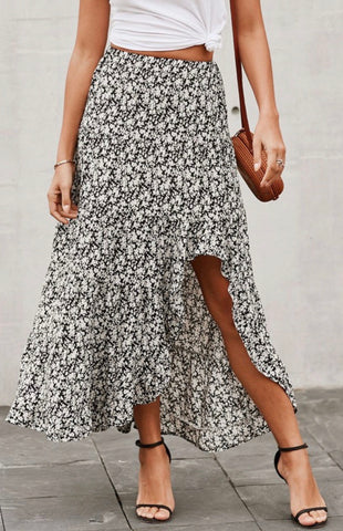 Days Away Floral Skirt - Black