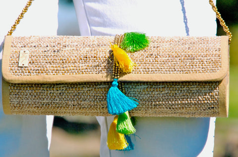 BANANA FIBER BARREL CLUTCH WITH TASSELS - KANAT