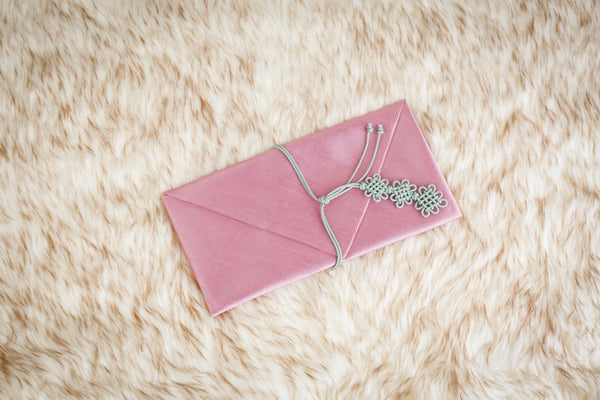 This is an indie pink daisy Korean money envelope and is very popular with females looking to gift their friends with money.