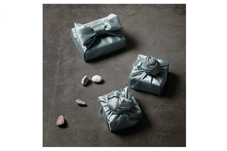 If you want to bring charm to your presents, use Korean Bojagi as the choice for wrapping cloth.