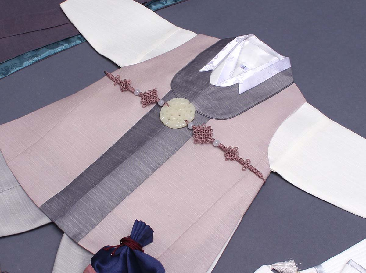 An up close look at the vest for the Classy Prince Baby Boy Hanbok in Biege.