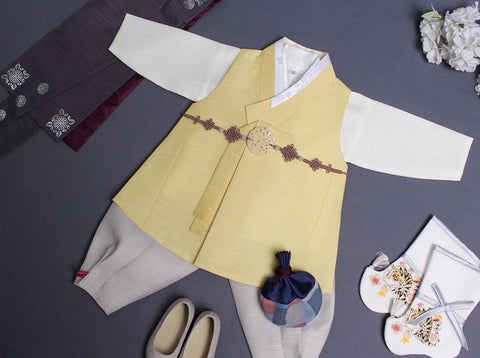Here is a better look at the vest of the baby boy hanbok in goldenrod.