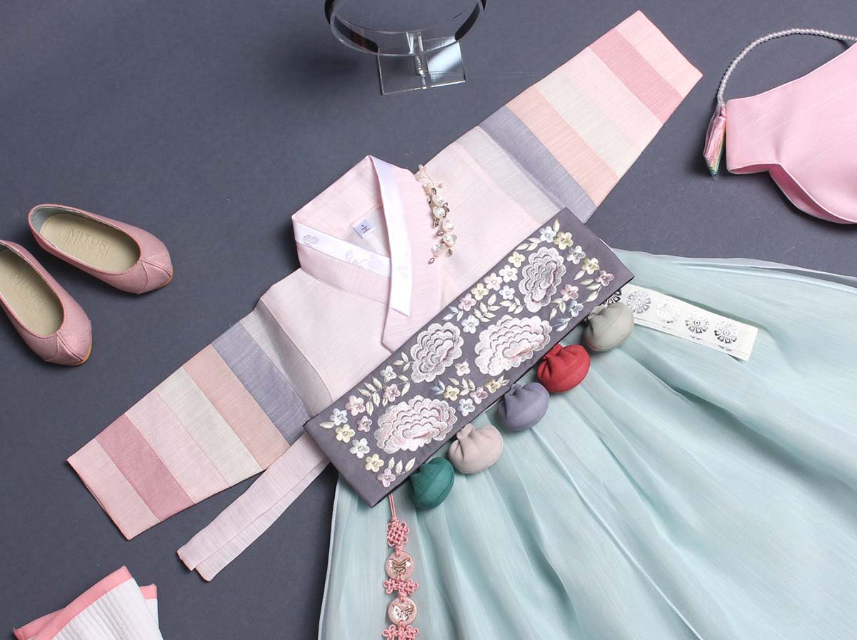 If you need a Dol hanbok for Doljanchi, we offer high quality authentic baby girl hanbok and this light aqua and blush is a wonderful example.